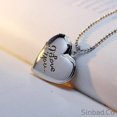 Best Friend I love you Letter Photo Frame Necklace