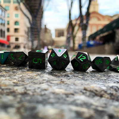 Poisoned Daggers Metal Dice Set