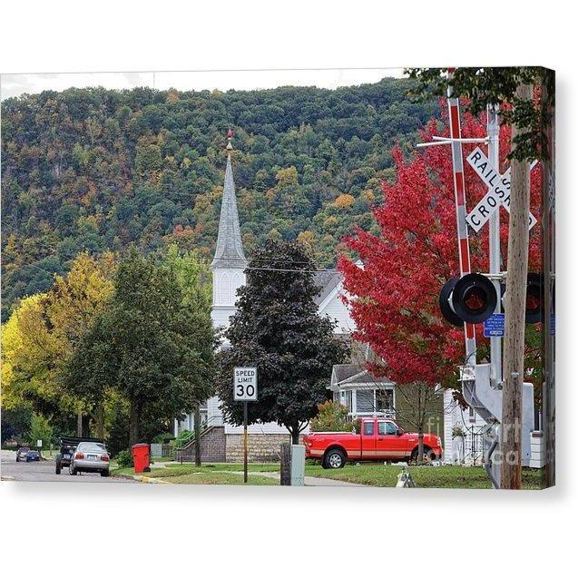 Fall At South Baker Street Winona Minn - Canvas Print