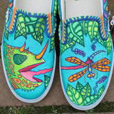 lizard catching dragonfly Custom designed Vans Classic Slip on shoes