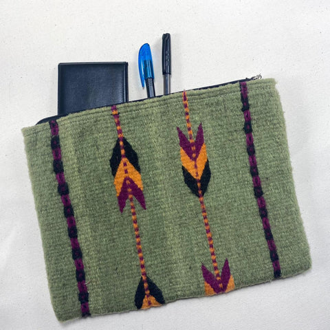 "Hand-woven Wool Laptop or iPad pouch - Green ""Espigas"""