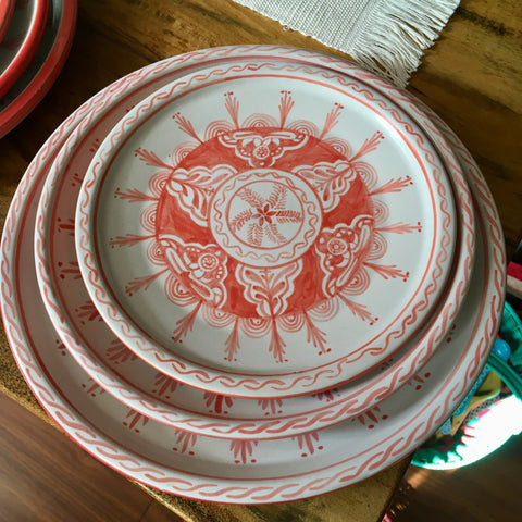 Plates / Rustic Red & White / Fine Flowers with Detail Trim