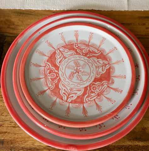 Plates / Rustic Red & White / Fine Flowers with Solid Trim
