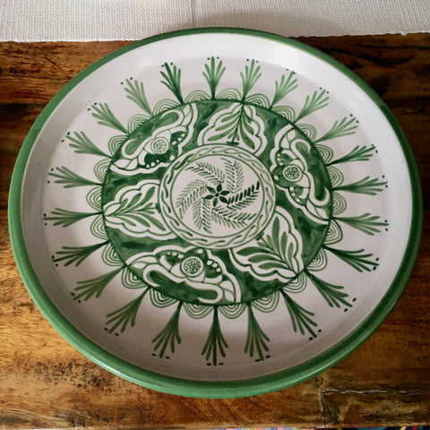 Plates / Rustic Green & White / Fine Flowers with Solid Trim