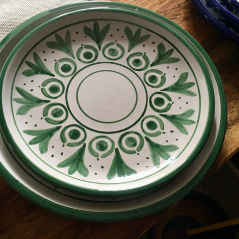 Plates / Rustic Green & White / Flores Verdes with Solid Trim