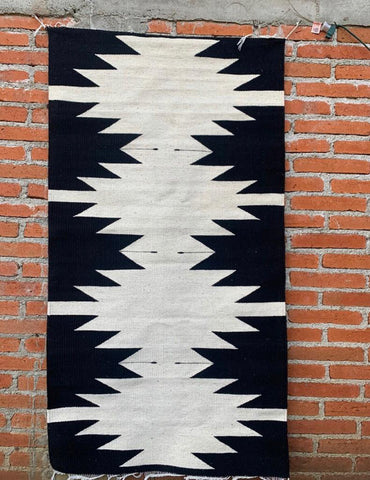 Area Rug 2.5' x 5' / Handwoven Wool from Oaxaca / Diamantes / Black & White