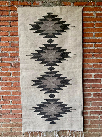 Area Rug 2.5' x 5' / Handwoven Wool from Oaxaca / Diamantes / Grey, Black, and White