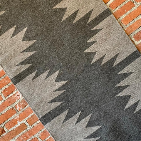 "Area Rug 2.5' x 5' / Handwoven Wool from Oaxaca / ""Diamantes"" Grey on Grey"