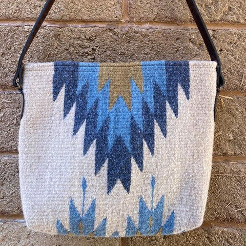 Hand-woven Wool Tote with Leather Strap - Blue 'Relámpago'