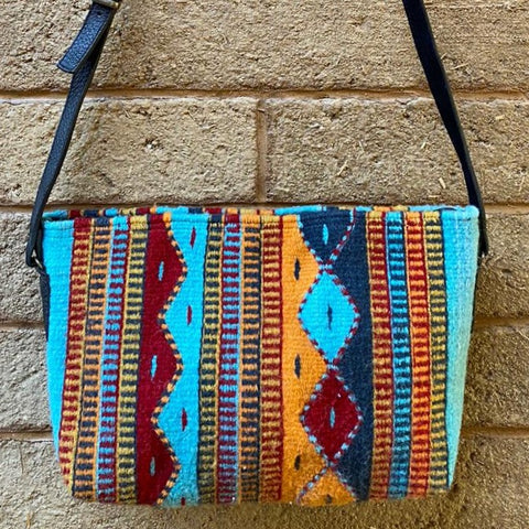 Hand-woven Cross-body Wool Bag with Leather Strap - Montañas y Lluvia