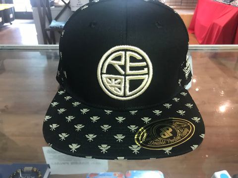 Black Kahili Snapback - Gold Logo