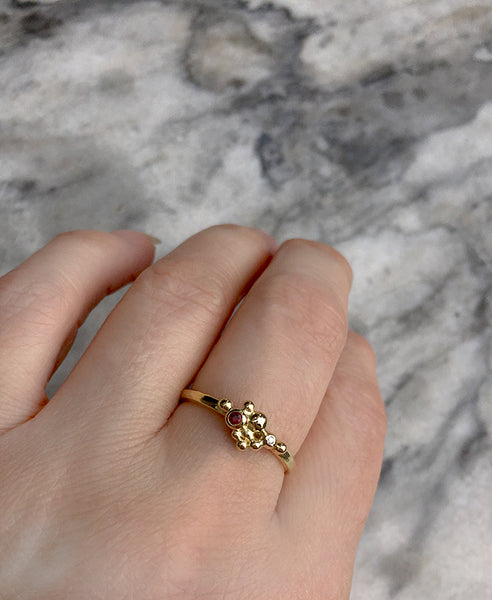 GOLDEN BERRIES RING WITH RUBY AND DIAMOND