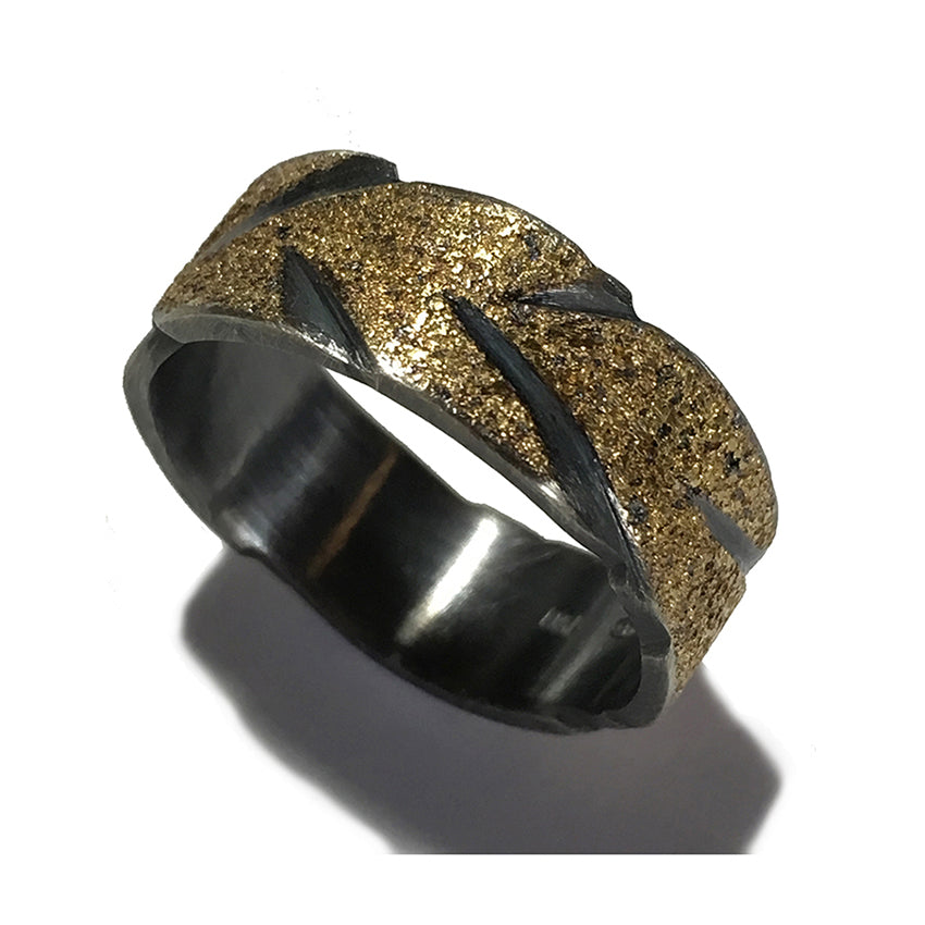 CUT GOLDEN EARTH RING