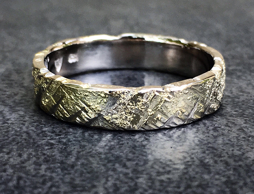 GOLD STRIKE RING