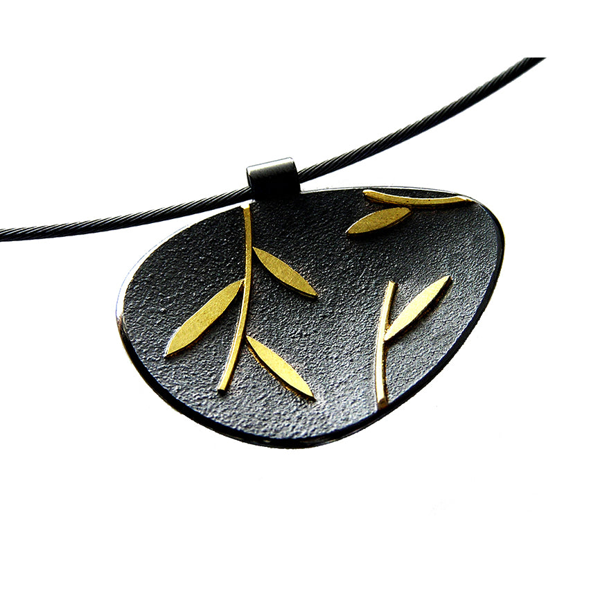 PETAL SHAPED LEAF PENDANT