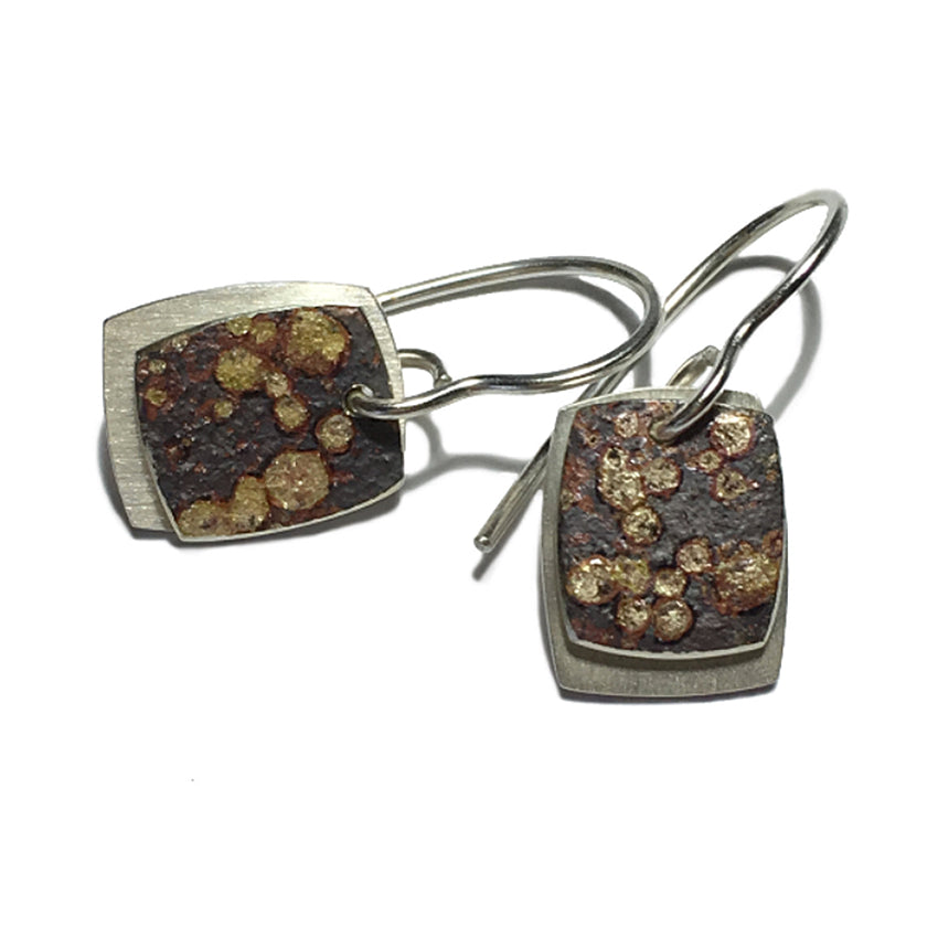 SQUARE STONE PATTERN HOOK EARRINGS