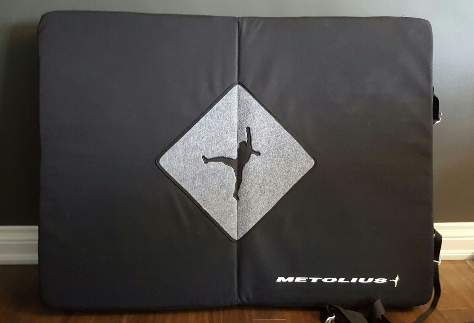 Metolius Bailout - Crash Pad Rental
