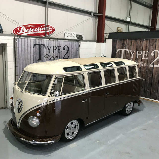 1960 23 Window Deluxe RHD Split Screen Camper Van (Samba)
