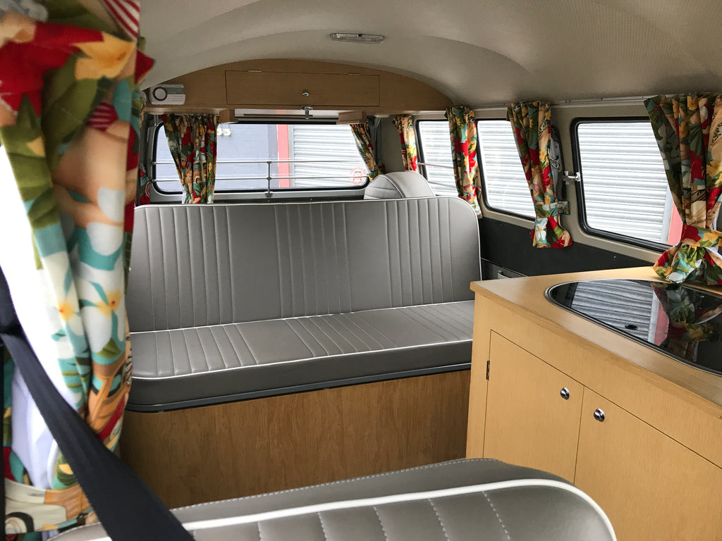 1966 13 Window Deluxe Split Screen VW Camper