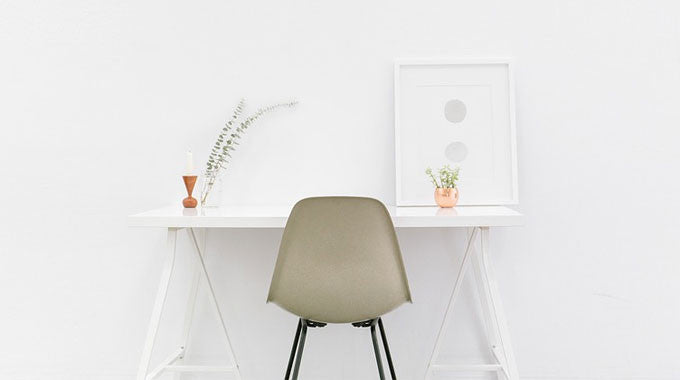 Why We Recommend Buying a White Office Furniture Set