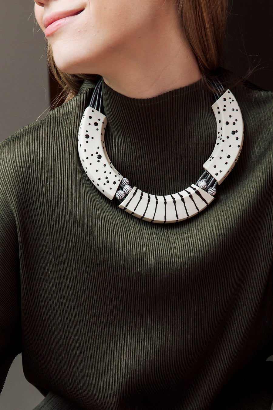 MAKENA NECKLACE - Red, Black & white