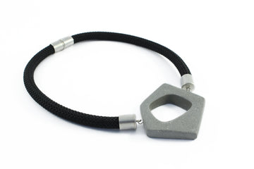 Chichi necklace / Grey