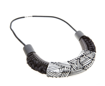 Amara necklace / Black stripes