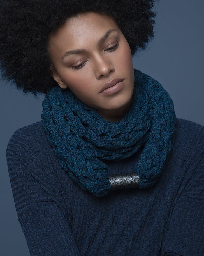 KOMO / Snorkel blue knitted chunky scarf