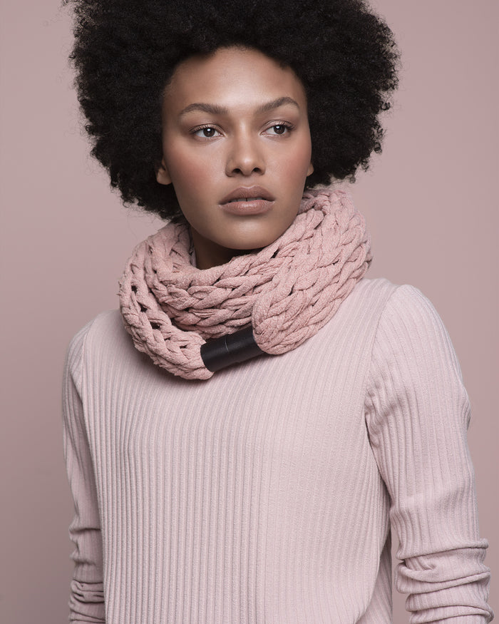 IMAMU /  Dusty pink necklace scarf
