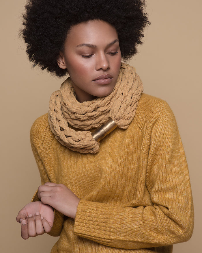 IMAMU /  Primrose yellow necklace scarf