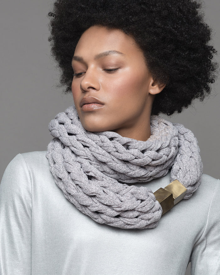 KOMO / Ivory knitted chunky scarf