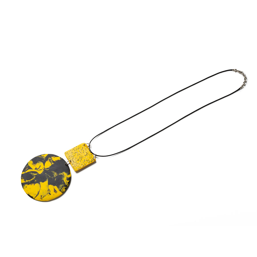 MIKA NECKLACE / Marble yellow