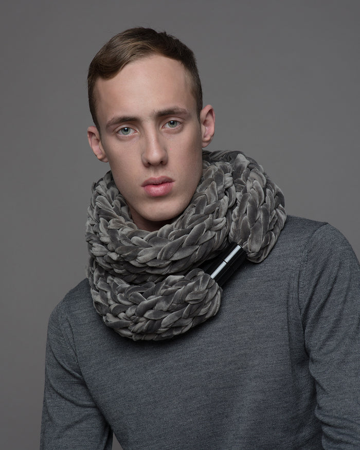 RUDO / Silver velvet jewellery scarf for men