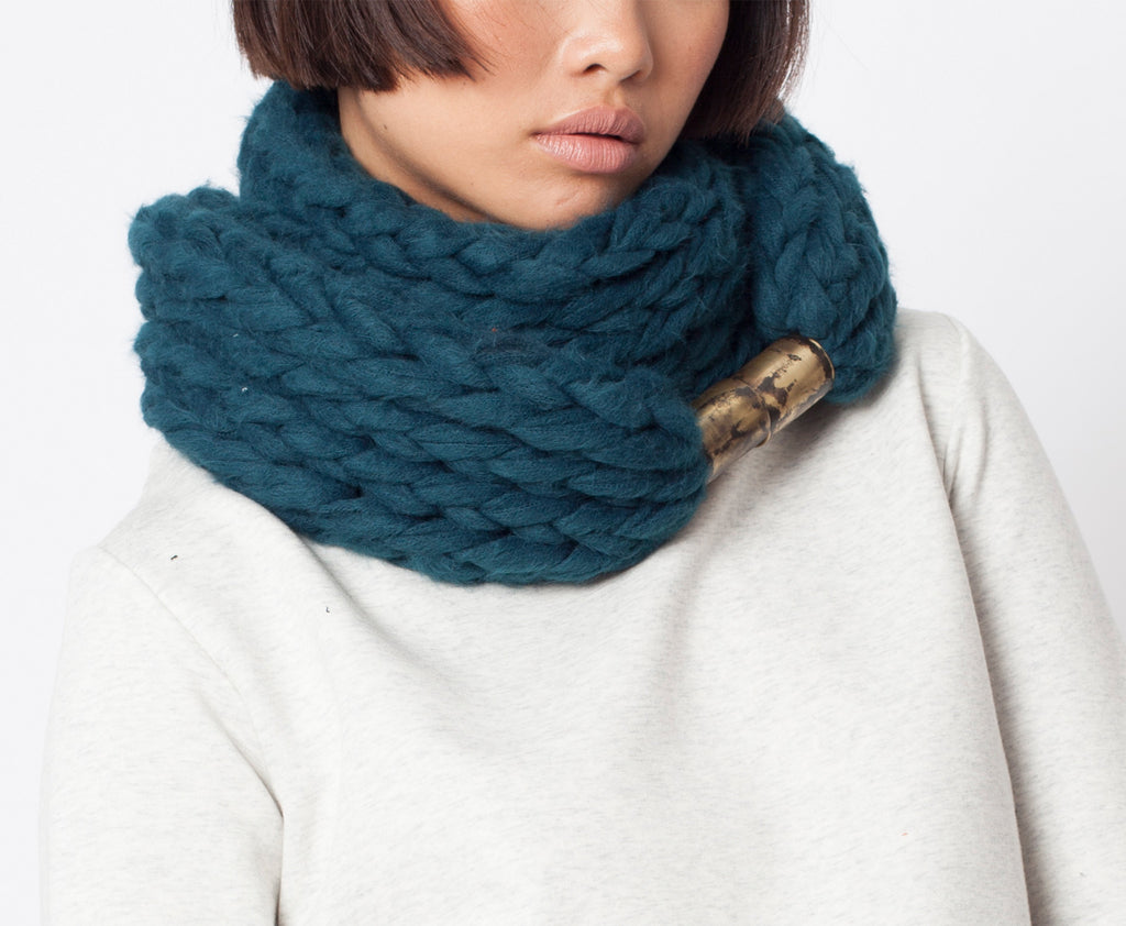 Vito Scarf \ Black chunky infinity scarf for winter