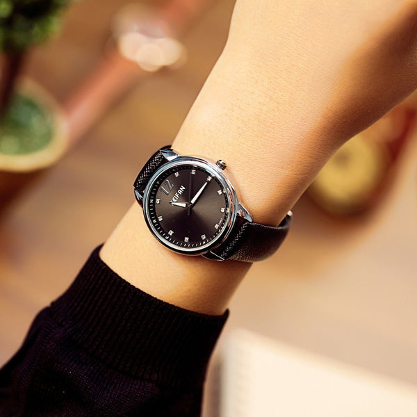 Black Fashion Quartz Watch for Women