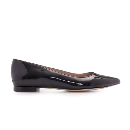 Luxrious black leather flat shoes by SHUTICA