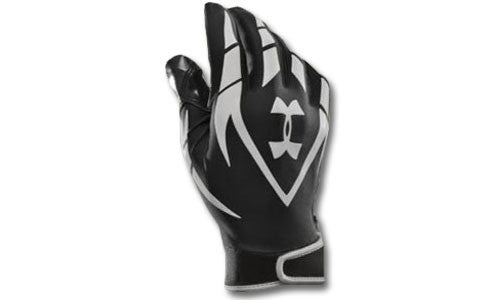 Football Gloves: Under Armour F2