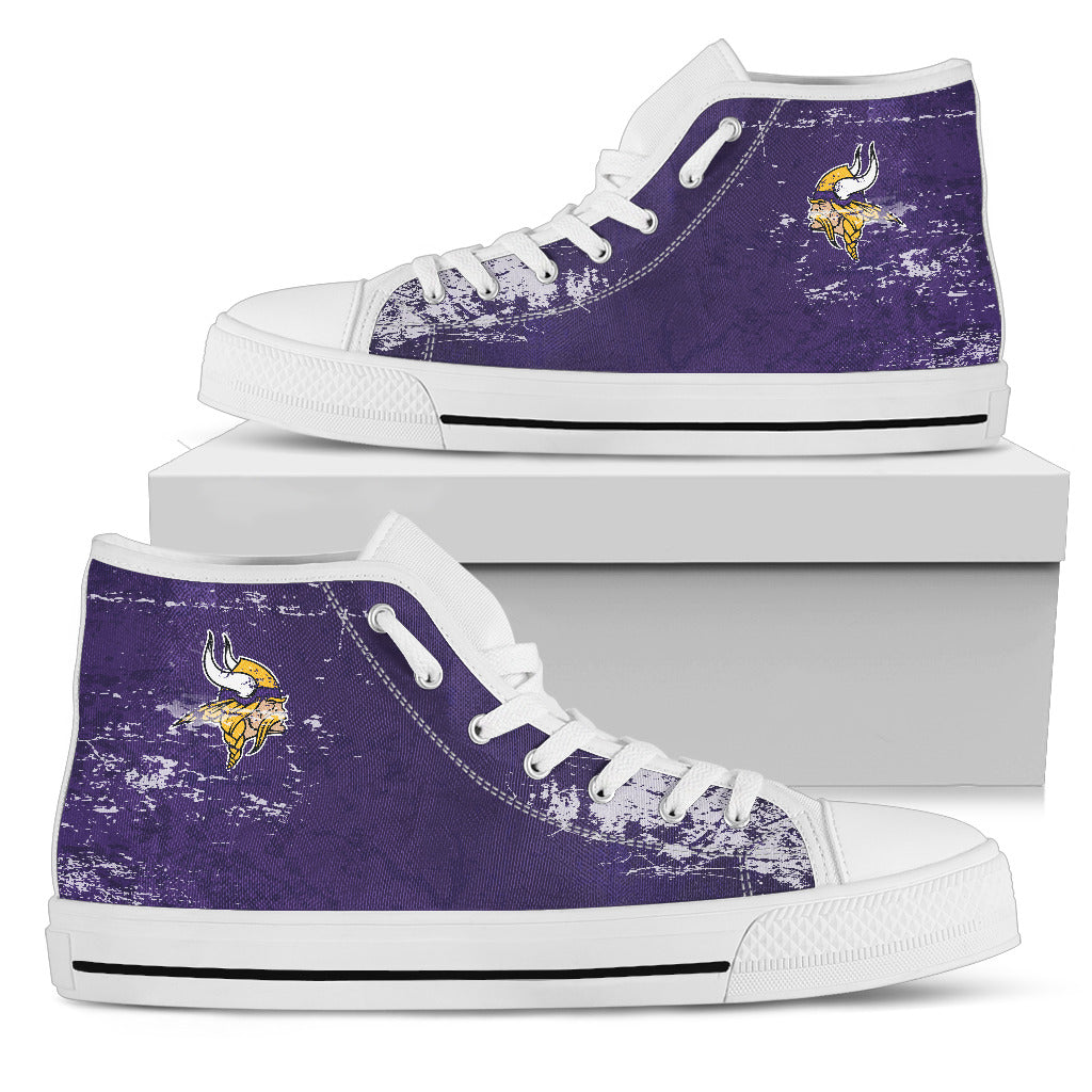 Grunge Vintage Logo Minnesota Vikings High Top Shoes