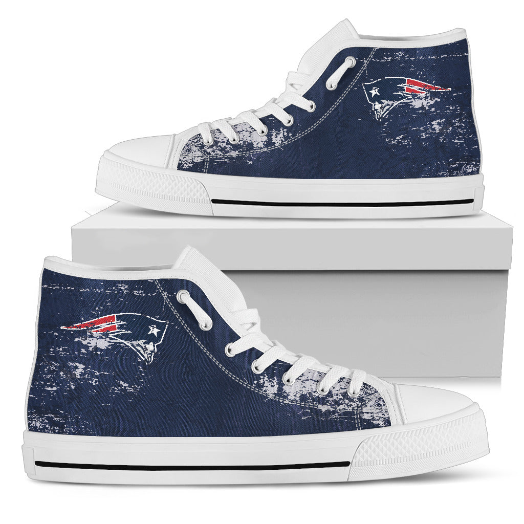 Grunge Vintage Logo New England Patriots High Top Shoes