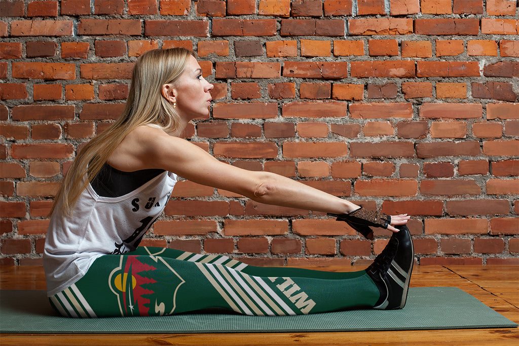 Straight Cute Beautiful Attractive Minnesota Wild Leggings