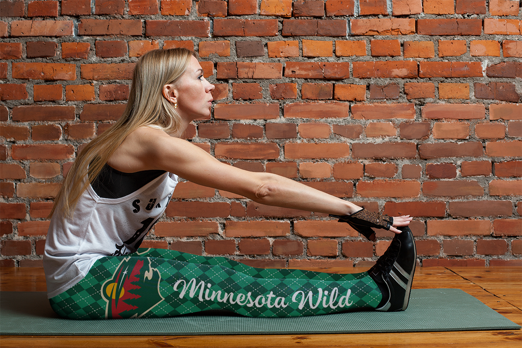 Cosy Seamless Border Wonderful Minnesota Wild Leggings