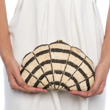 Load image into Gallery viewer, Seashell Karuna Black Clutch
