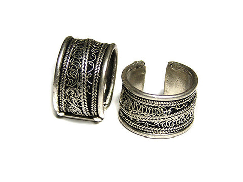 Filigree White Metal Ring