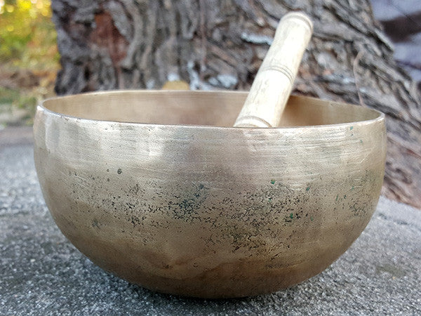 B Crown Chakra Old Tibetan Singing Bowl 6.25""