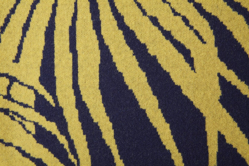 Loulan cushion navy and yellow detail