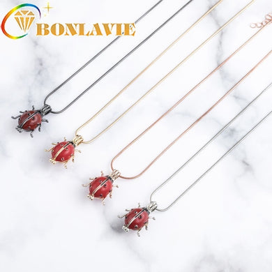 Best Selling Women Girls Perfume Essential Oil Diffuser Pendant Necklace Fashion Insect Ladybug Pendant Necklace Accessories