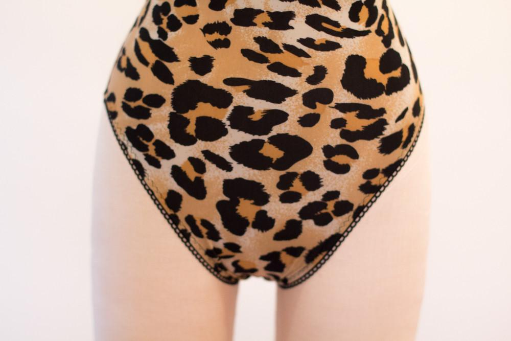 Fancy Feminist High Neck Solid Leopard Print Bodysuit