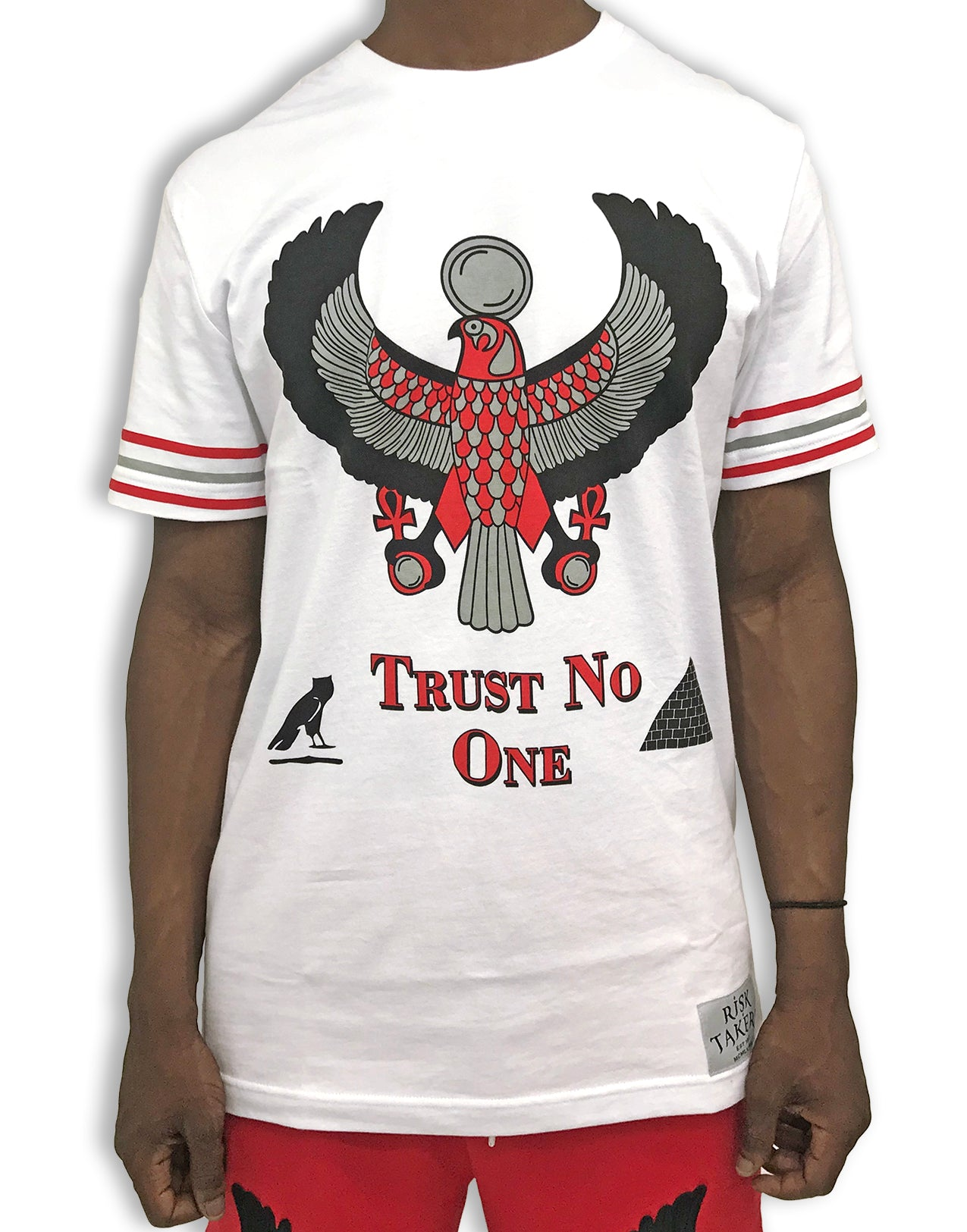 TRUST NO ONE PREMIUM T-SHIRT