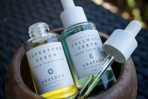 Superfood Serum and Fullmoon Serum in a bowl