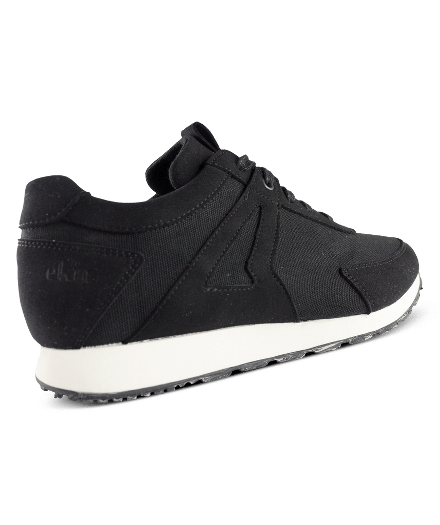 EKN Low Seed Runner Black